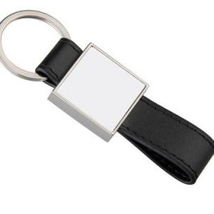 négyszög alakú kulcstartó